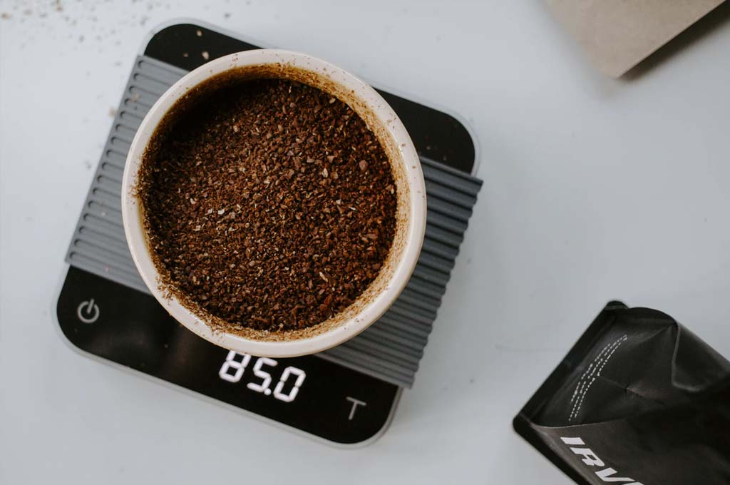 how much ground coffee to use per cup